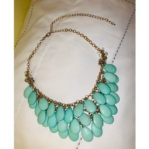 Francesca's Green Statement Necklace! 💚